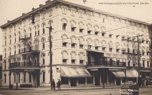 A photo of the Hotel Warden in the early 1900's.